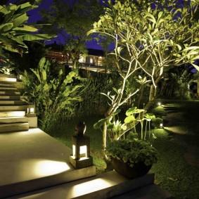Ночное освещение садового участка