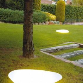 Светильники-камни из прочного пластика