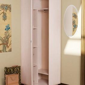Трапециевидный шкаф корпусного типа