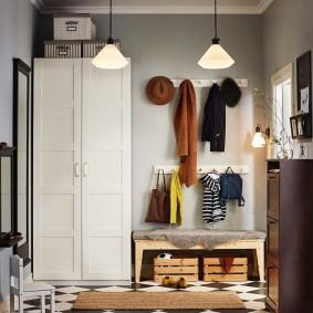 Двустворчатый шкаф в деревенском стиле