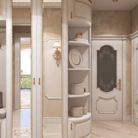 Неоклассическая мебель в коридоре квартиры