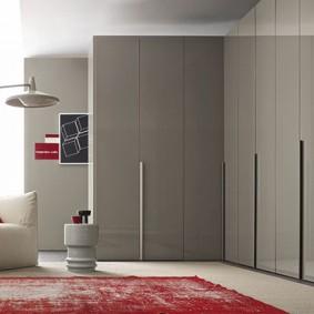 Серый угловой шкаф в современном стиле