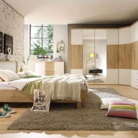 Меблировка спальной комнаты большой площади