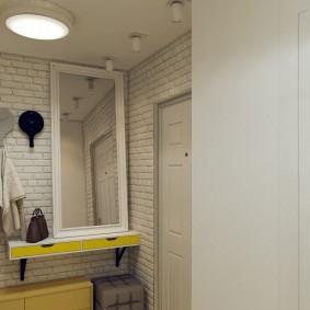 Белый кирпич в интерьере коридора