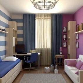 Полосатые обои в комнате для разнополых детей
