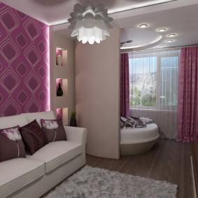 Круглая кровать в спальной зоне общей комнаты