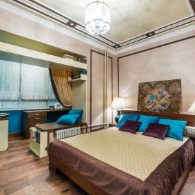 Спальня с балконом в современном стиле