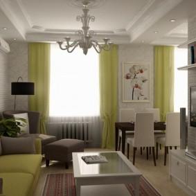 Светло-зеленые занавески в квартире с кухней-гостиной
