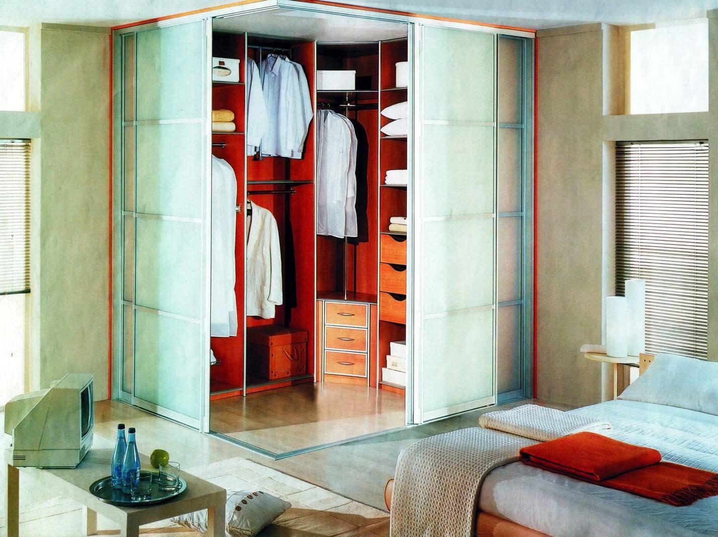 гардеробная угловая в спальне фото дизайн простое лакомство очень