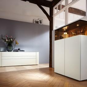Минималистическая мебель с гладкими фасадами
