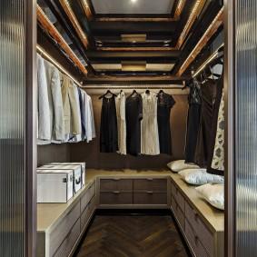гардеробная комната 2 на 2 фото оформление