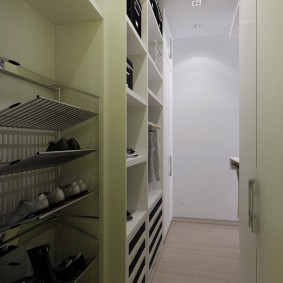 гардеробная комната 2 на 2 фото оформления