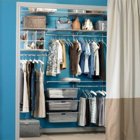 гардеробная комната 2 на 2 оформление идеи