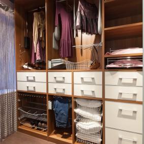 гардеробная комната 2 на 2 идеи вариантов