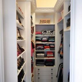 гардеробная комната 2 на 2 интерьер