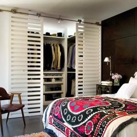 гардеробная комната 2 на 2 фото дизайна