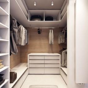 гардеробная комната 2 на 2 фото интерьера