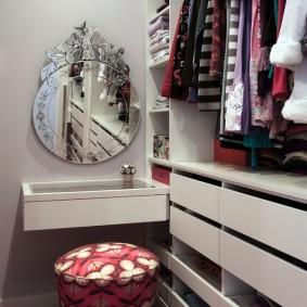 гардеробная комната 4 кв м фото декор
