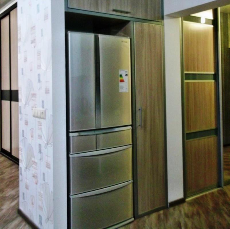 холодильник в коридоре