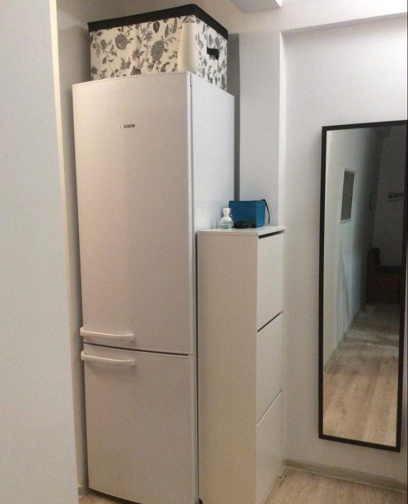 холодильник в коридоре идеи