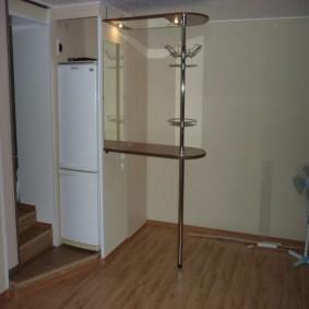 холодильник в прихожей и коридоре фото декора
