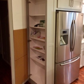 холодильник в прихожей и коридоре идеи декор