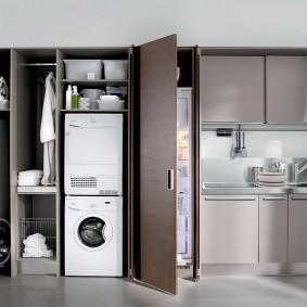 холодильник в прихожей и коридоре фото интерьер