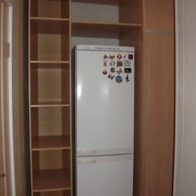 холодильник в прихожей и коридоре оформление идеи