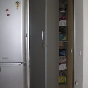 холодильник в прихожей и коридоре фото дизайн