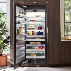 холодильник в прихожей идеи