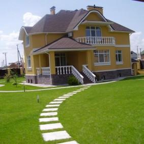 искусственный газон для дачи фото оформление