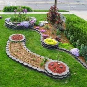 искусственный газон для дачи виды оформления