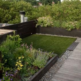 искусственный газон для дачи варианты декора