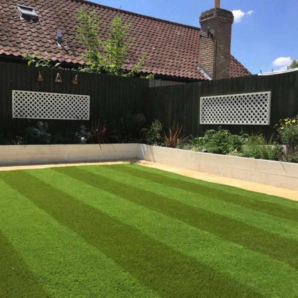 искусственный газон в полоску