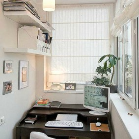 кабинет на балконе идеи фото
