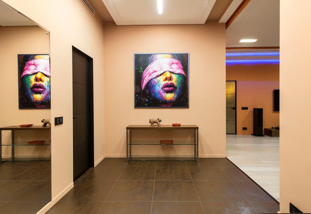 Картины в коридоре минималистического стиля