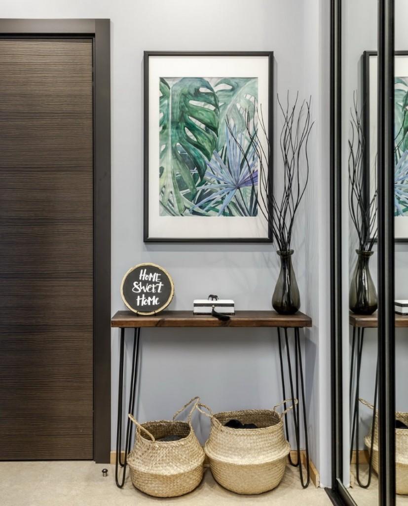 Картина в коридоре двухкомнатной квартиры по фен-шуй