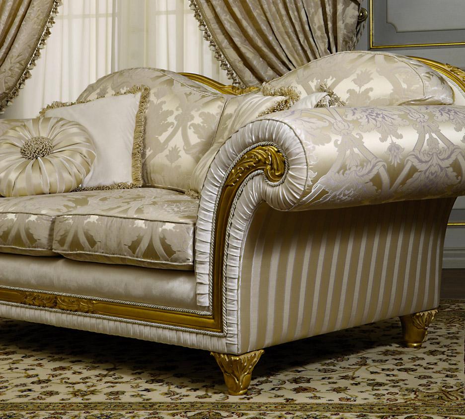 классический диван в гостиной идеи