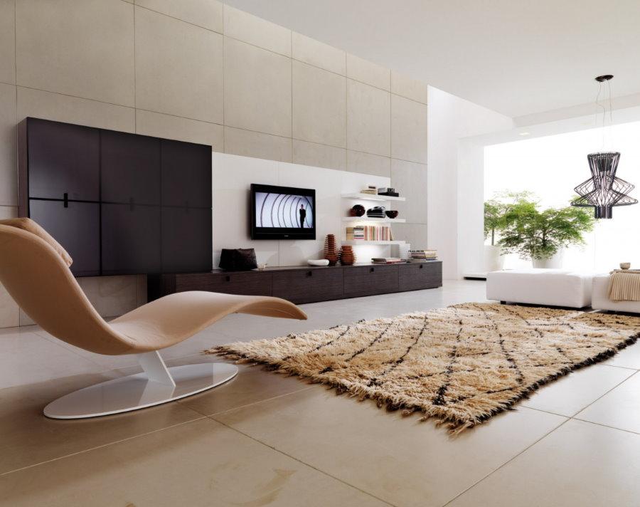 Гостиная в стиле минимализма с керамическим полом