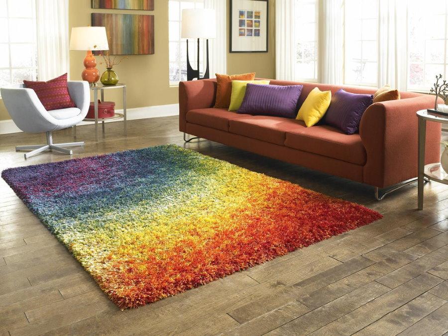 Коврик с переходом цвета в гостиной комнате