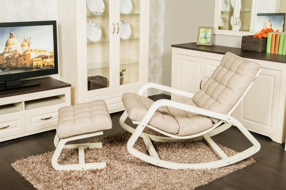 кресло качалка в гостиную