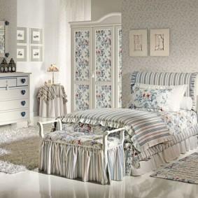 кровать для девочки виды декора