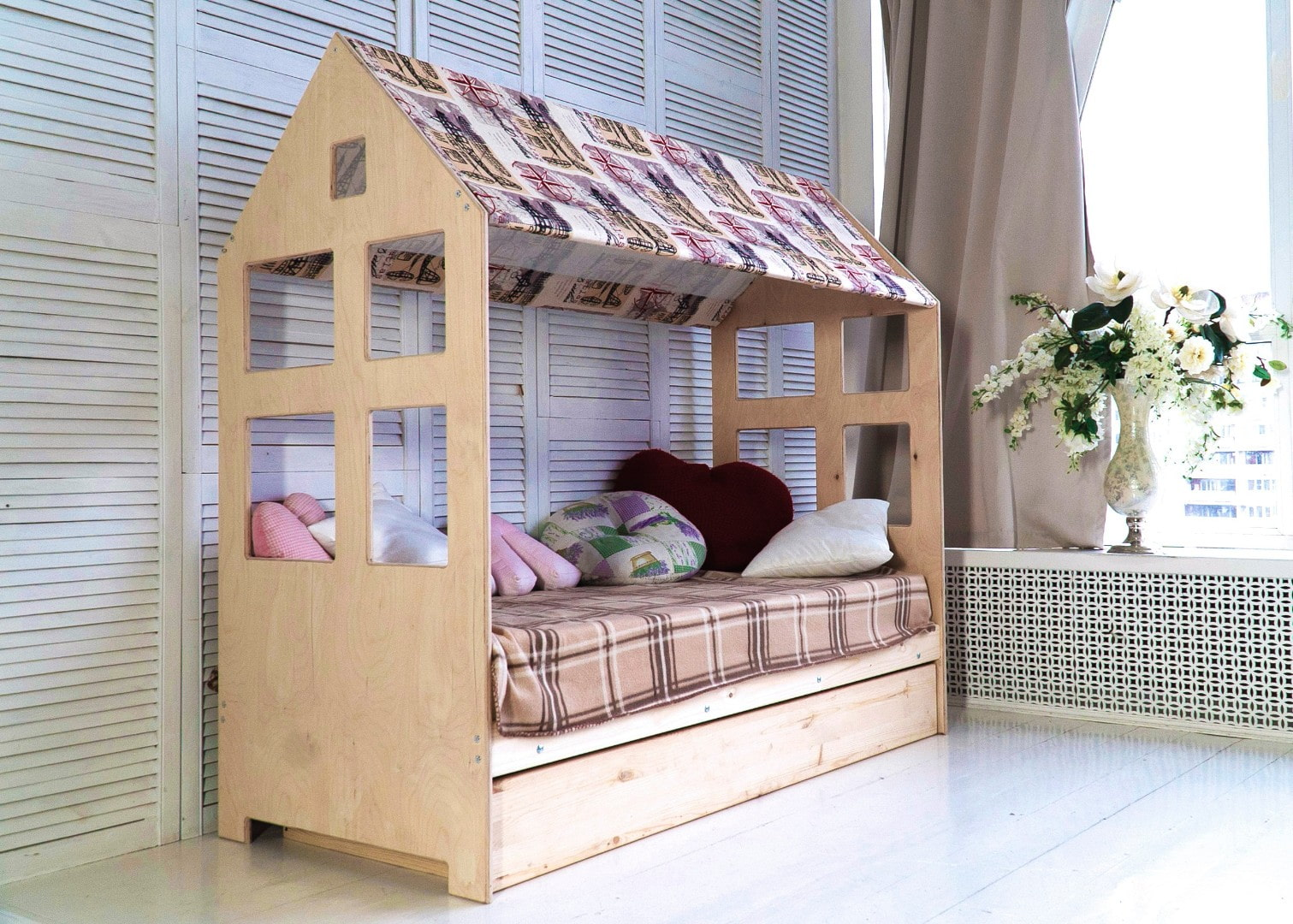 кровать домик брус и фанера