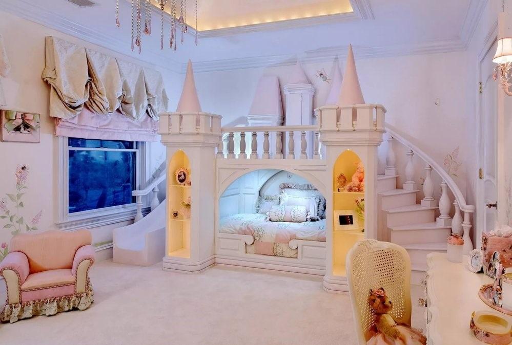 кровать домик замок