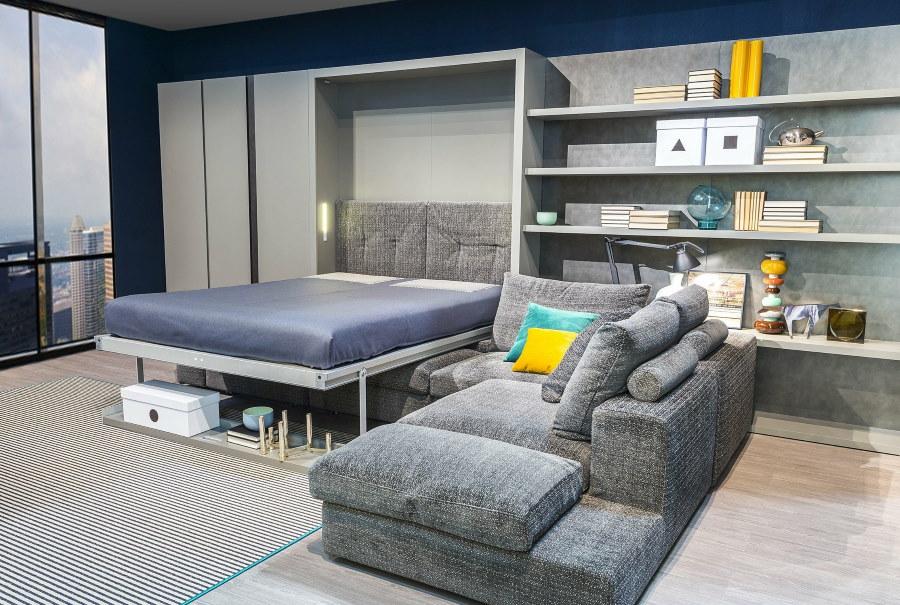 Кровать-трансформер в гостиной комнате