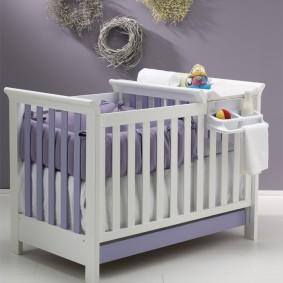 кроватка с пеленальным столиком декор фото