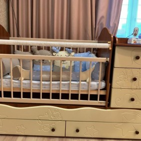 кроватка с пеленальным столиком варианты