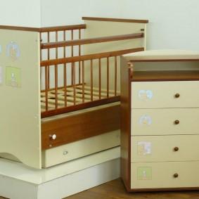 кроватка с пеленальным столиком фото вариантов