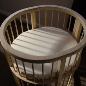 круглая детская кроватка обзор