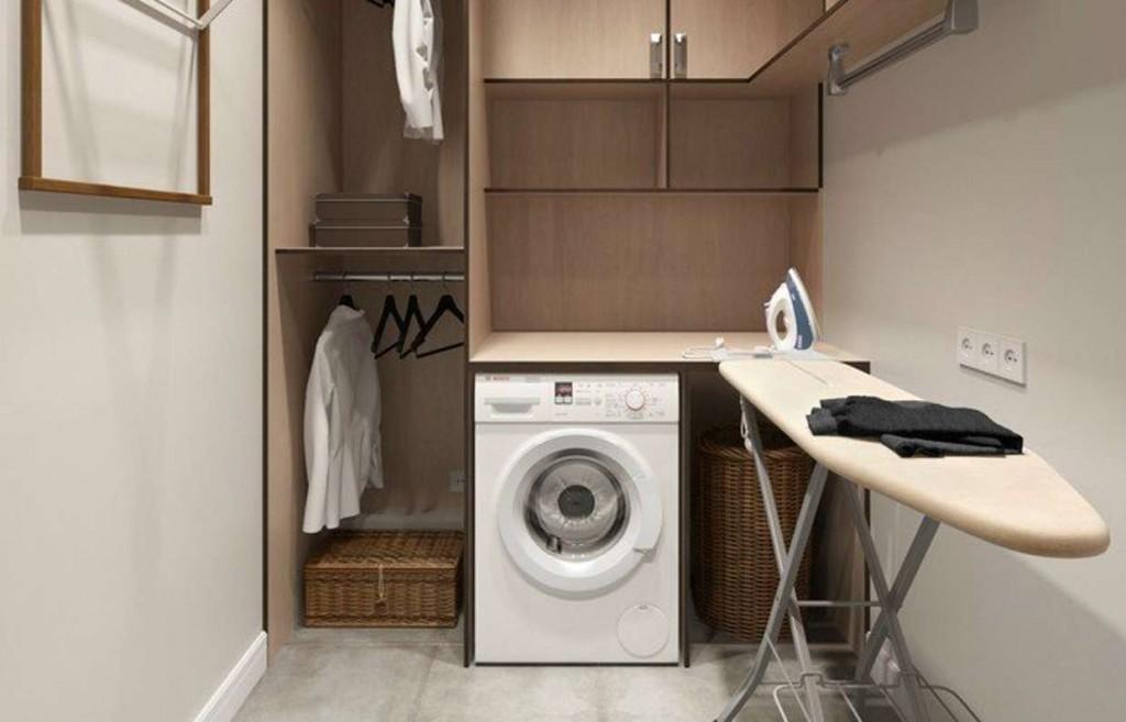 Стиральная машина в постирочной и гладильной комнате